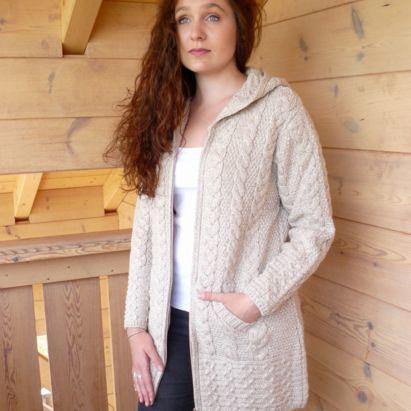 57ebd5244b40 Pulls et gilets femme en pure laine. Fabriqué en Irlande. Véritables ...