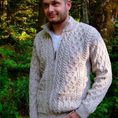 9cdcf037a3d2 Pulls et gilets homme en pure laine. Fabriqué en Irlande. Véritables ...