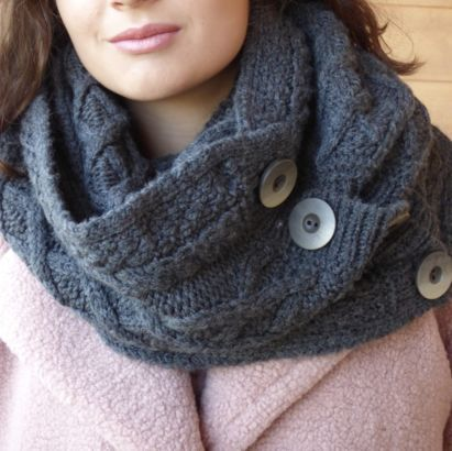 Femme Snood super soft merino wool